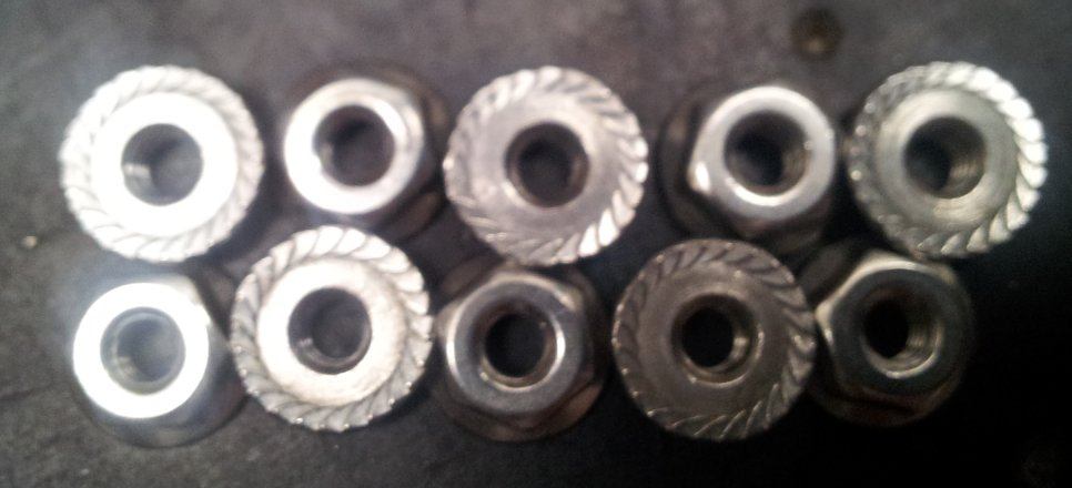 8-32 Serrated lock nut pack of 10